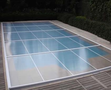 Cerramientos crea tu espacio usky cubiertas piscina - Cubierta de cristal ...